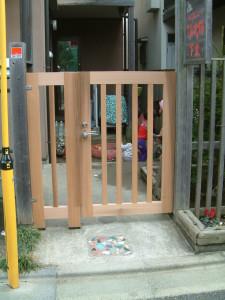 コピー ~ てぃんかぁべるの門扉 006
